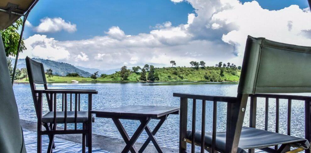 Romantic getaway to Eastern Congo Tchegera islands Eastern Congo